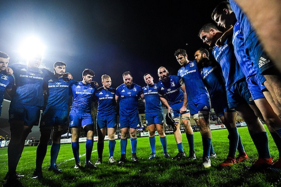 Leinster captain Scott Fardy speaks to his team
