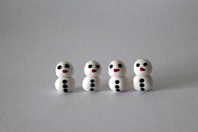 DIY, Basteln: Fimo / Polymer Clay Santa ärgere dich nicht in Spiele und Weihnachtsdekoration - DIYCarinchen