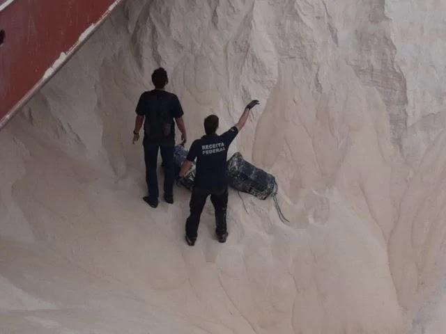 Receita Federal participa de operação conjunta no Porto de Santos que resulta em apreensão de 155 kg de cocaína