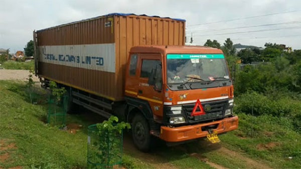cigarettes-worth-4-crore-stolen-from-truck