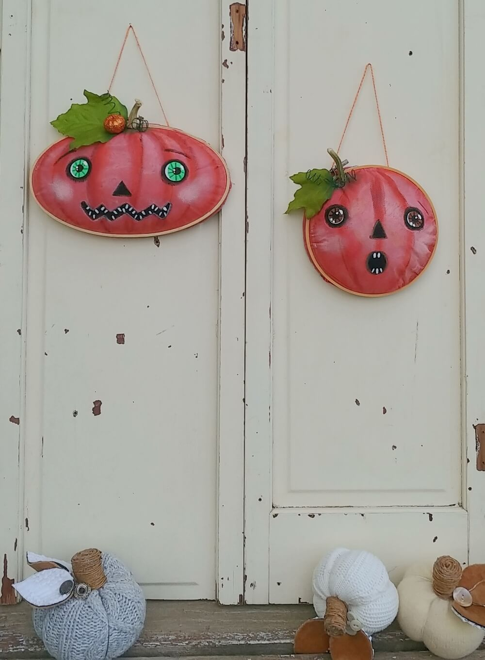 DIY Embroidery Hoop Pumpkins