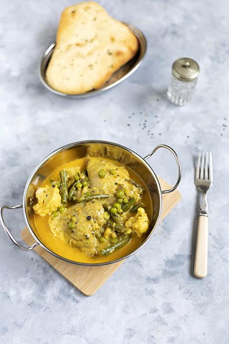 Curry z kurczaka z warzywami w sosie kokosowym