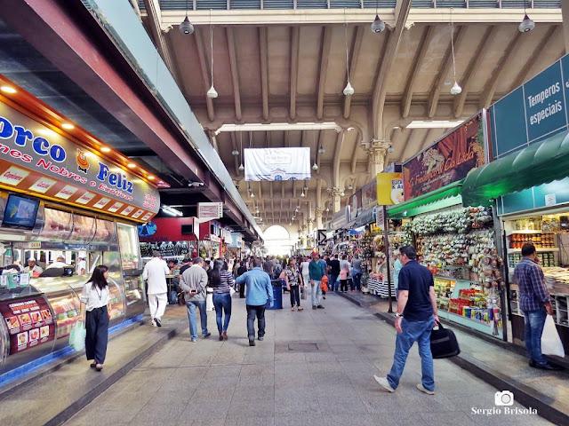Vista de um dos corredores do Mercado Municipal de São Paulo - Centro - São Paulo