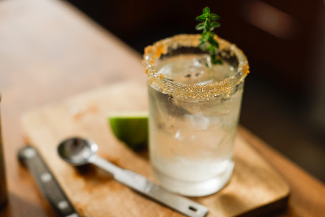 Gin & Lemon Thyme Summer Cocktail, Joshua Franzos