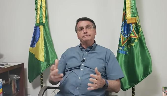Bolsonaro promete anúncio de novo Ministro da Educação nesta sexta