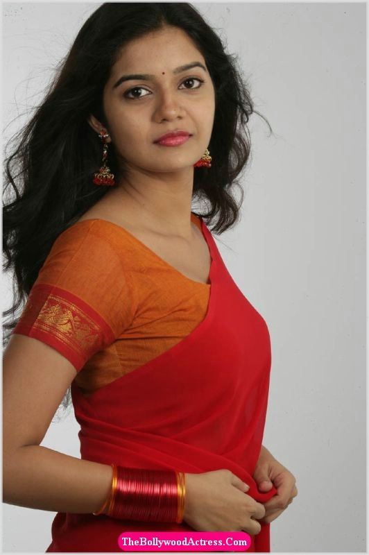 Indian Girl Wallpaper Rocking Site Colors Swathi New Pics