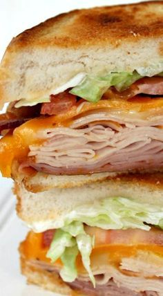 COPYCAT APPLEBEE'S CLUBHOUSE GRILLE SANDWICH RECIPE #recipes #lunchrecipes #food #foodporn #healthy #yummy #instafood #foodie #delicious #dinner #breakfast #dessert #lunch #vegan #cake #eatclean #homemade #diet #healthyfood #cleaneating #foodstagram