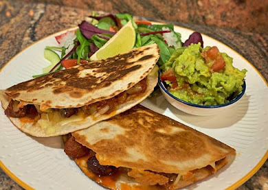 #Smoky #Quesadillas #Chicken & #chorizo / Jackfruit & veggie sausages
