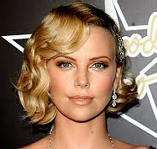 Nice Short Hairstyles for Women with Curly Hair