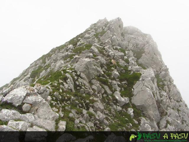 Ruta al Pico Torres y Valverde: Proximidades de la cima del Valverde