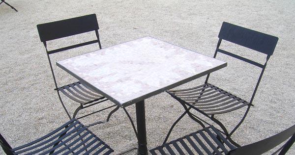 meja makan besi