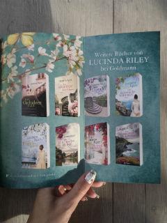 """powieści Lucindy Riley w """"Pokoju motyli"""", fot. paratexterka ©"""