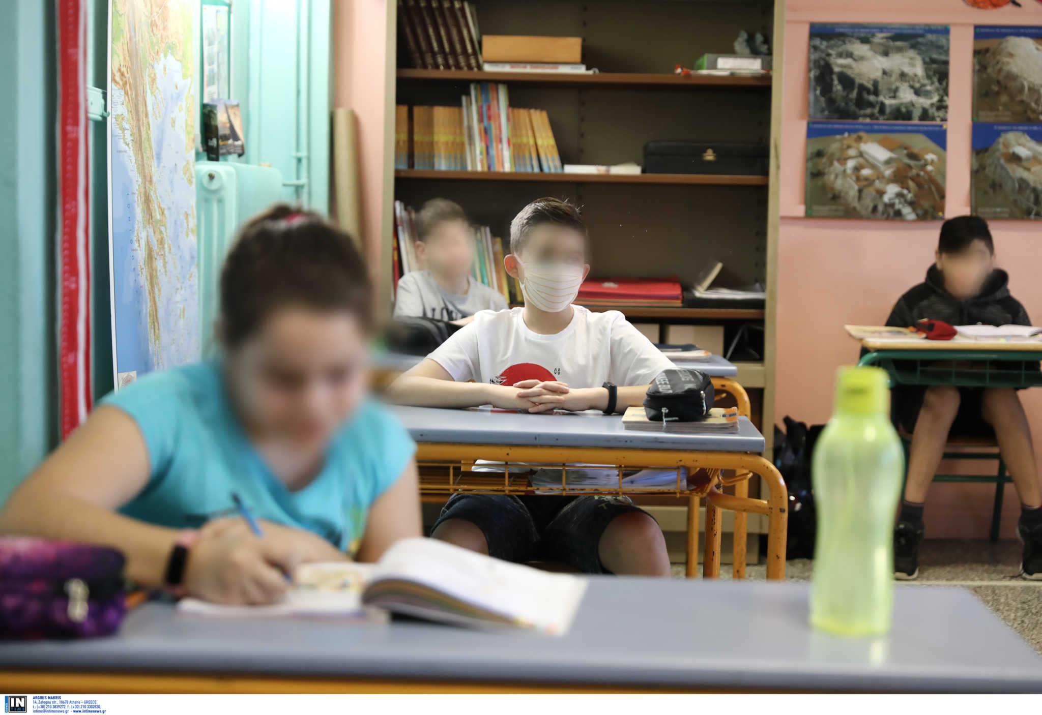 Κεραμέως: Παρατείνεται η σχολική χρονιά