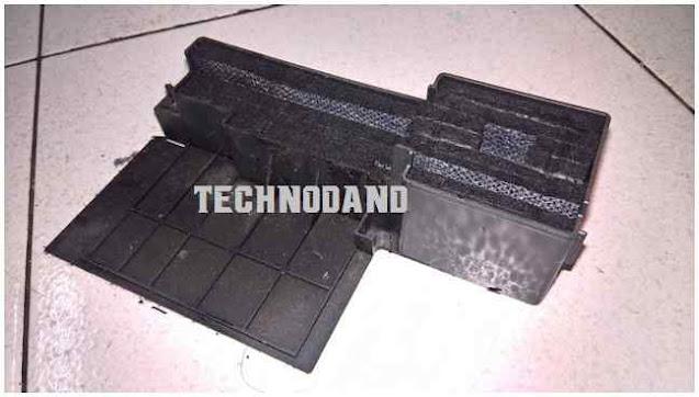 Contoh tabung pembungan eksternal pada printer Epson L300