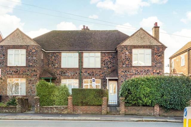 2 bed flat, Spitalfield Lane, Chichester, West Sussex