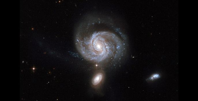black holes form galaxies - photo #14