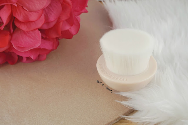 Bright Complexion Cleansing Brush tweezerman