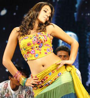 Actress trisha krishnan hot Naval side showing Phtos