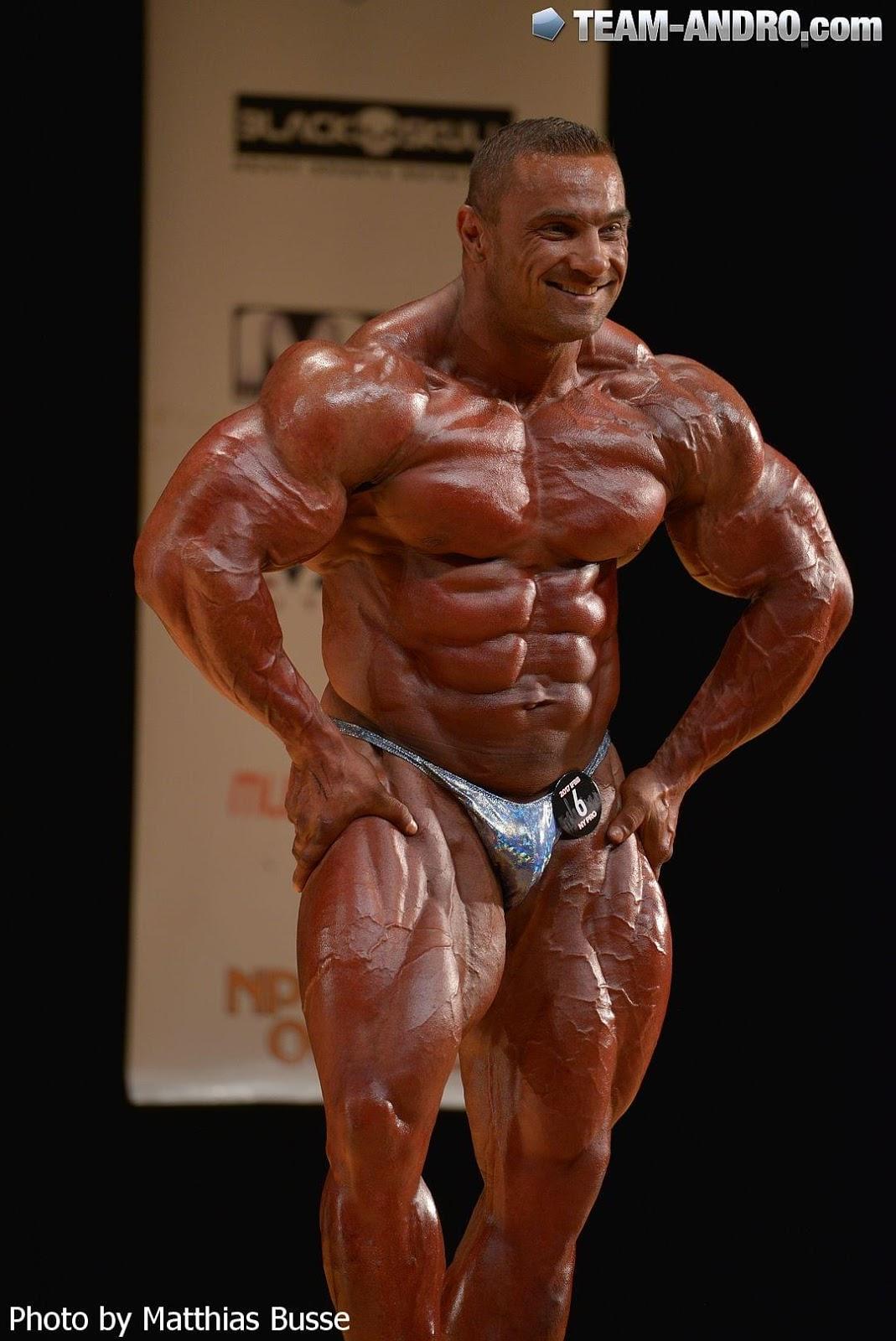 celebrated ifbb pro bodybuilder - 750×1334