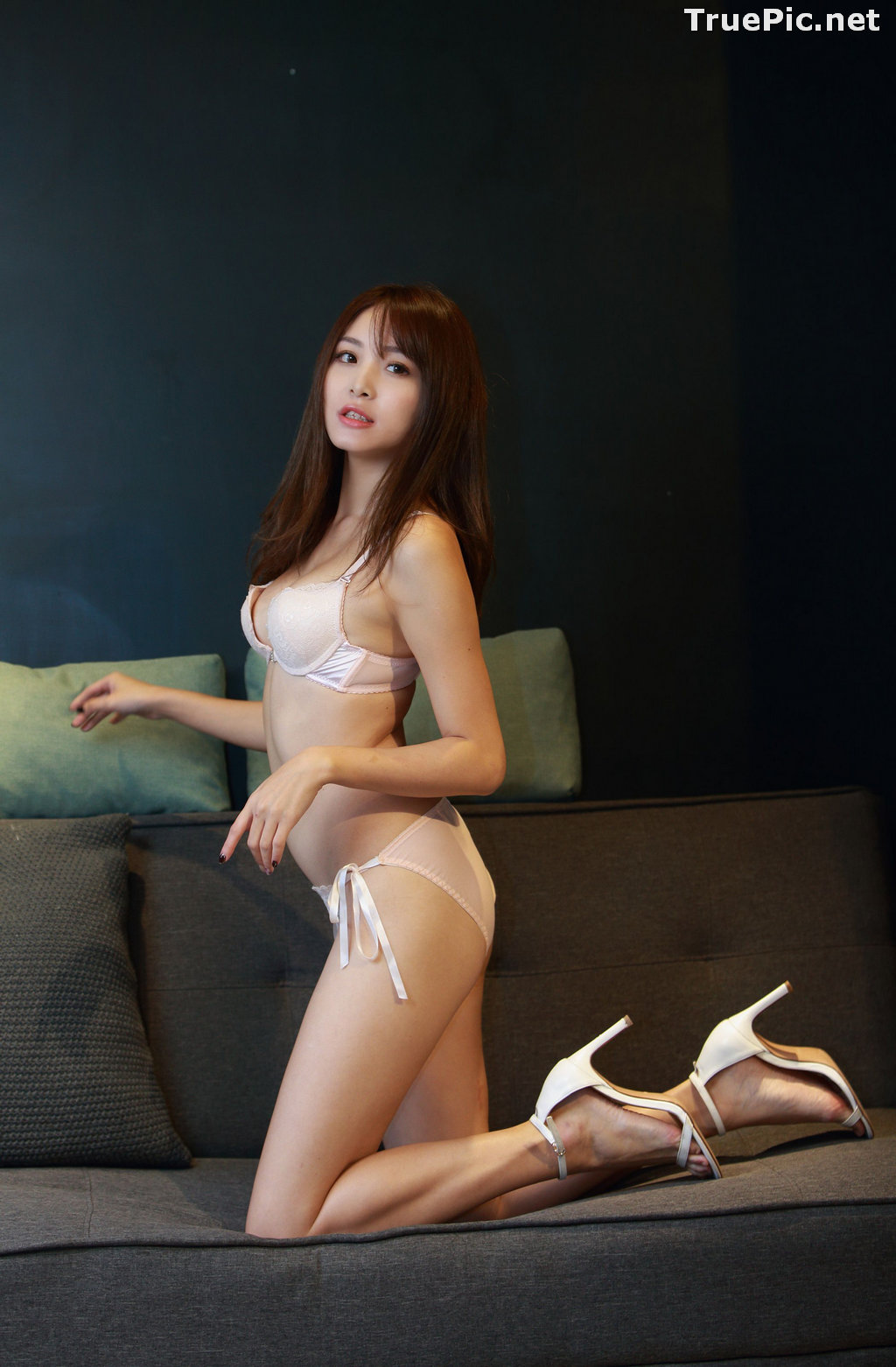 Image Taiwanese Model - Ash Ley - Sexy Girl and White Lingerie - TruePic.net - Picture-1