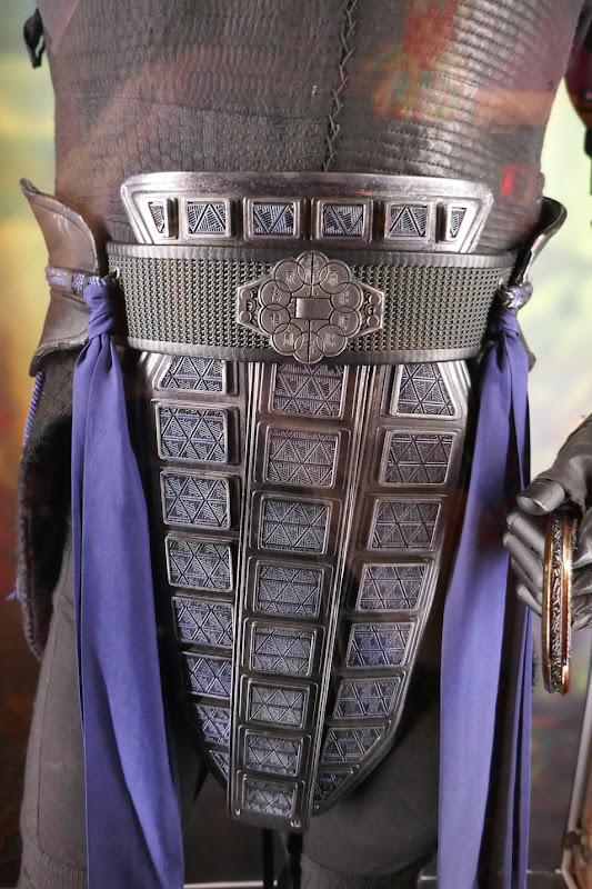 Shang-Chi Wenwu costume detail