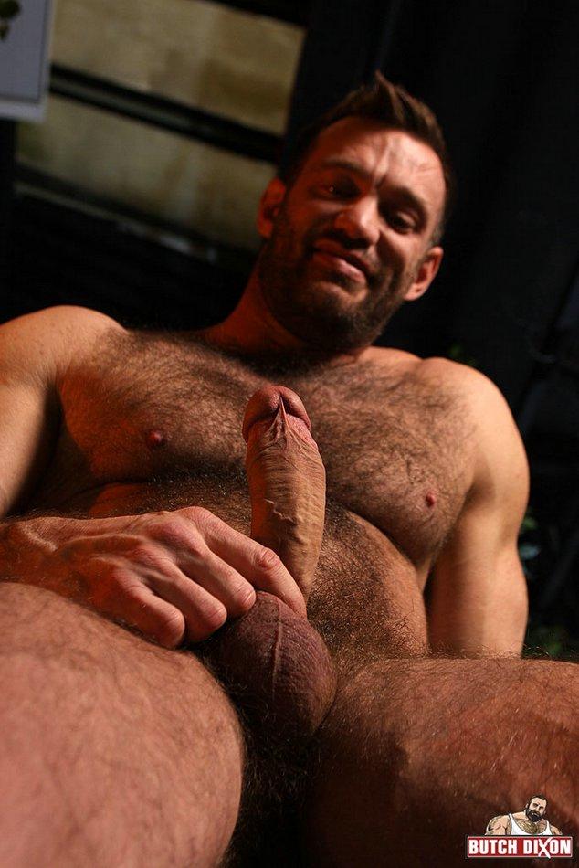 Sexo Gay entre Homens peludos metendo no cuzinho