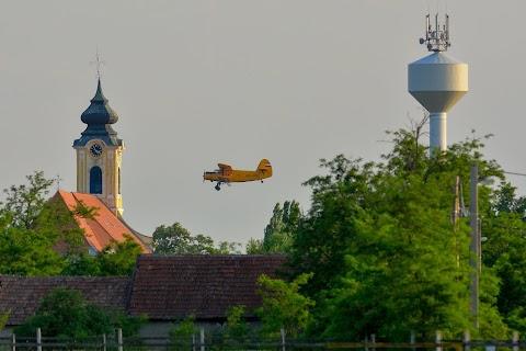 A Balatonnál és a Tisza-tónál is folytatódik a szúnyogirtás