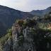 """Ήπειρος:""""Η τρύπα του Αη Γιώργη! Το εκπληκτικό μνημείο της φύσης και ο μύθος του ιπτάμενου καβαλάρη!(βίντεο)"""