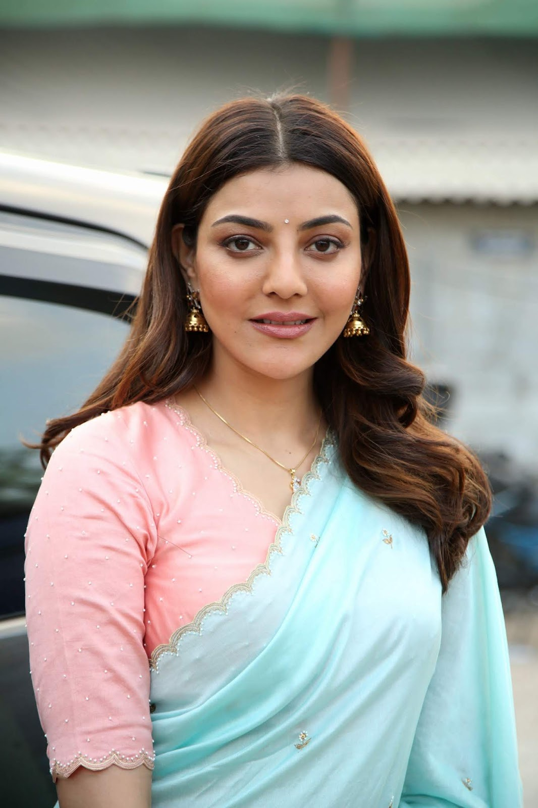 Kajal Aggarwal's New Look In Saree Looks Different Can't Recognize