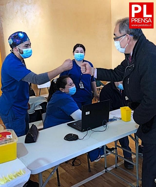 Osorno: vacunatorio en el gimnasio fiscal de Rahue