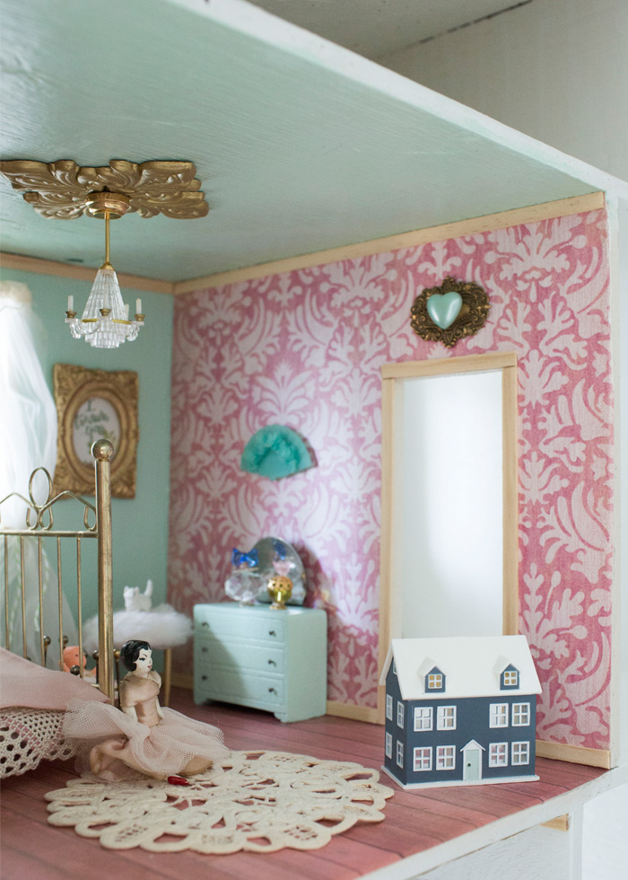 dolls house wallpaper bedroom - photo #6