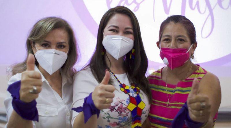 Gloria Núñez mujeres