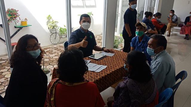 Personel Jajaran Kodim 0207/Simalungun Laksanakan Pendampingan Pelaksanaan Vaksinasi Diwilayah