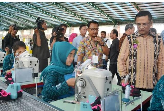 Lowongan Kerja SMA, SMK, D3, S1 PT Pou Yuen Indonesia Jobs, Pengawas Produksi, Injection Phylon Team Leader, Chemical Engineering Staff, Etc