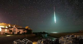 Meteorit explodiert über Cornwall | Ein Fotograf macht dadurch spektakuläre Aufnahmen