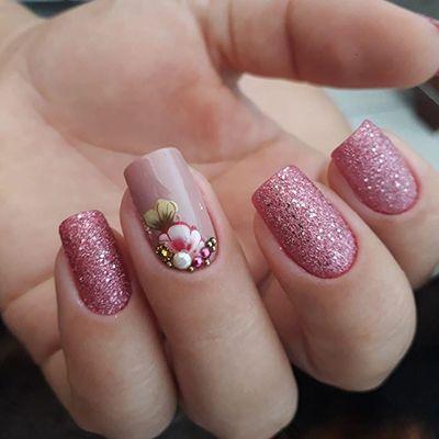 unhas decoradas com esmalte rosa 2