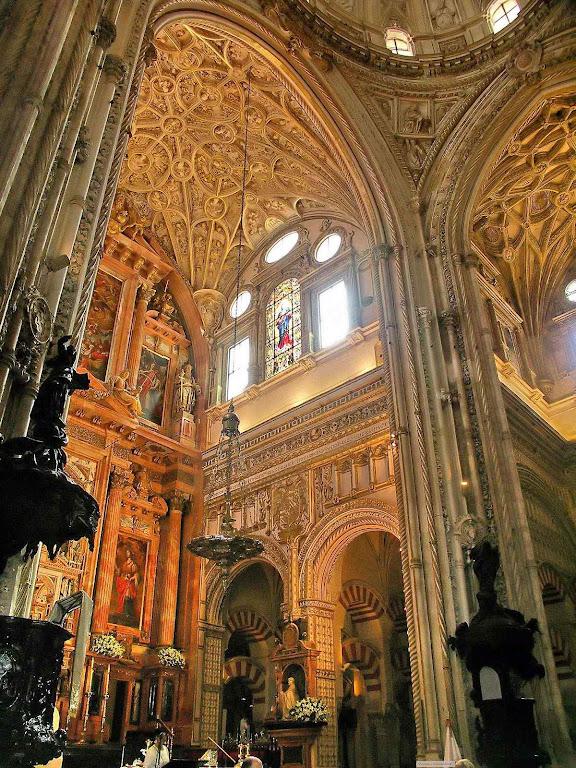O Islã quer se apossar da catedral de Córdoba e conta com o apoio das esquerdas locais