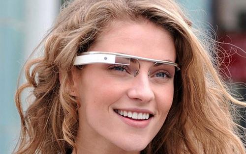 Возможности Google Glass достаточно серьезные и как гаджет для смартфонов – это конечно супергаджет…