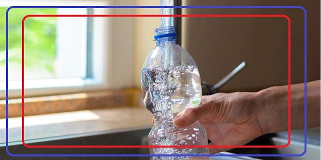 دراسة حديثة تحذر من خطورة زجاجات المياه المعدنية وإعادة استخدامها