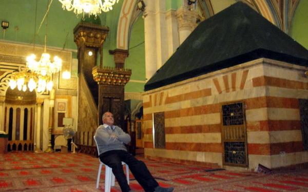 Makam Nabi Ibrahim Yang Sebenarnya Apakah Berada Di Dekat Ka'bah?