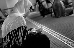 Karena Nasehat Seorang Pemuda, Wanita Ini Menjadi Shalehah, Kisahnya Memilukan