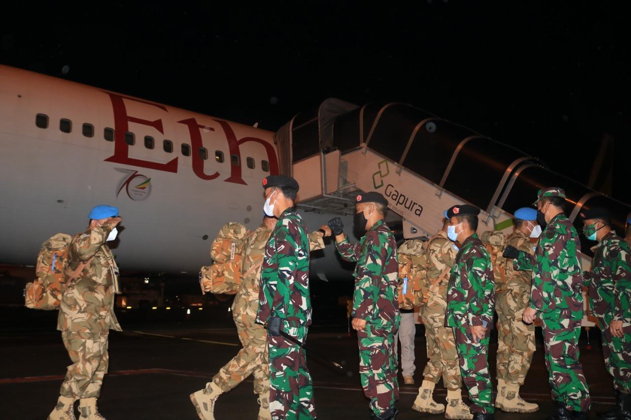 185 Prajurit TNI Kontingen Garuda UNIFIL Chalk 5 Berangkat Menuju Daerah Misi Lebanon