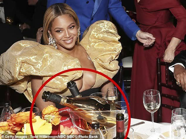 Beyonce & Jay-Z attend the Golden Globes award with their own expensive champagne (photos)