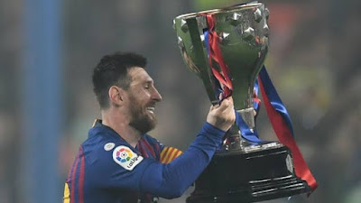Barcelona beats Levante to win LA Liga title