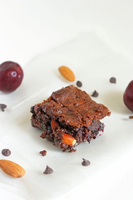 It Bakes Me Happy: Cherry Almond Brownies {Guest Post at Mom's Test Kitchen}