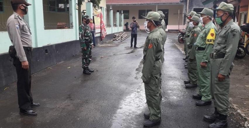 Jelang Pengamanan Pilkada, TNI-Polri Latih Baris Berbaris Linmas di Bukateja
