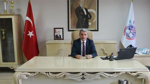 Mardin Belediyesi'nde kayyum görevi yaparken zimmetine para geçirdiği iddia edilen Çorum İl Milli Eğitim Müdürü Yakup Sarı, görevinden alındı.