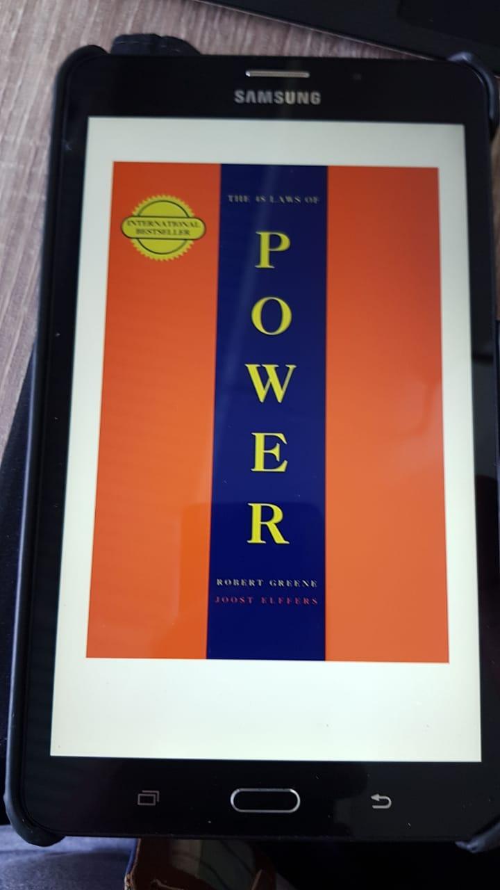 Buku 48 Laws of Power