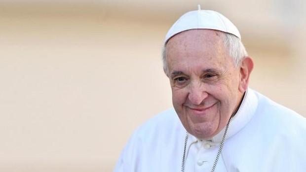 Papa ordena recortes salariales a cardenales y clérigos para salvar puestos de empleados en general