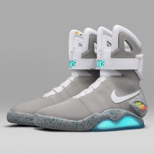 Tinuku Automatic shoe Nike Mag release in limited edition for Michael J. Fox Foundation